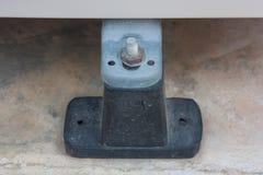 La base è fatta di gomma nera del compressore del condizionamento d'aria Fotografia Stock Libera da Diritti