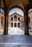 La basilica del ` Ambrogio di Sant a Milano, Italia Fotografia Stock Libera da Diritti