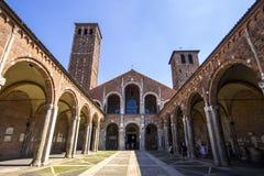 La basilica del ` Ambrogio MILAN, ITALIA di Sant - 8 agosto 2016 Fotografia Stock Libera da Diritti