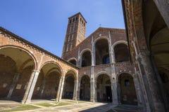 La basilica del ` Ambrogio MILAN, ITALIA di Sant - 8 agosto 2016 Fotografie Stock Libere da Diritti