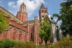 La basilica del ` Andrea di Sant a Vercelli sull'Italia immagini stock