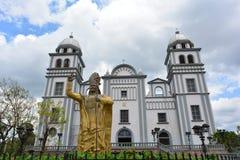La basilica della chiesa di Suyapa a Tegucigalpa, Honduras immagini stock libere da diritti