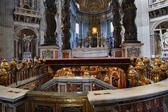 La basilica di St Peter, con la tomba di St Peter immagini stock