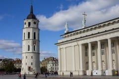 La basilique de cath?drale de St Stanislaus et de St Ladislaus de Vilnius lithuania images stock
