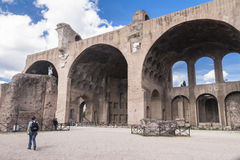 La basilique de Maxentius et de Constantin image libre de droits