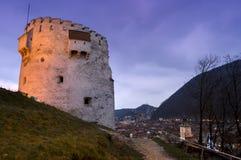 La bastion blanche de tour de Brasov, construit en périodes médiévales de protéger la ville photographie stock libre de droits