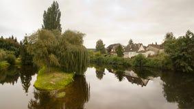 La bave de La de rivière et Saint-Cere la France photographie stock libre de droits