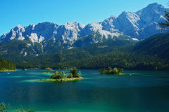 La Bavière d'eibsee de lac Image libre de droits