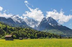 La Baviera Germania di Garmisch-Partenkirchen di panorama delle alpi Immagine Stock