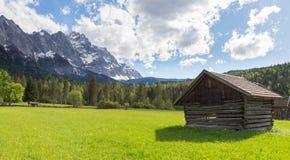 La Baviera Germania di Garmisch-Partenkirchen di panorama di Zugspitze Fotografia Stock Libera da Diritti