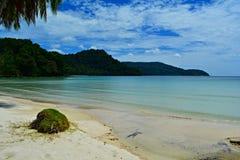 La beauté de la plage et de la mer de la Thaïlande Photo libre de droits