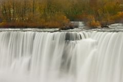 La beauté incroyable des automnes de Niagra Photos stock