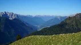 La bella campagna invita per fare un'escursione/dolomia/verso sud il Tirolo/Italia Fotografie Stock Libere da Diritti