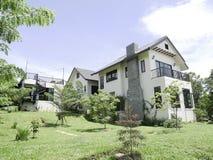 La bella casa della contea di White dalla Tailandia Immagini Stock Libere da Diritti