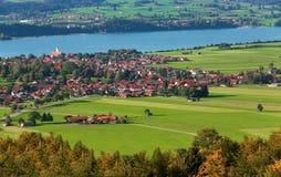 La bella città nominata ¼ di Fussen/FÃ ssen in Baviera, Germania Fotografia Stock