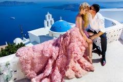 La bella donna delle giovani coppie adorabili dall'uomo bello Immagine Stock Libera da Diritti