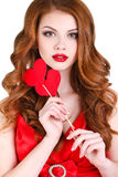 La bella donna intelligente sul San Valentino della st Immagini Stock