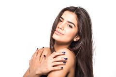 La bella giovane donna con il tocco fresco pulito della pelle possiede il fronte Trattamento facciale Cosmetologia, bellezza e st fotografia stock