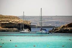 La bella laguna blu a Malta immagini stock