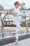 La bella lana sexy di stile di modo di usura di donna tricotta la maglietta superiore TR Fotografia Stock
