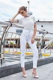 La bella lana sexy di stile di modo di usura di donna tricotta la maglietta superiore TR Immagine Stock