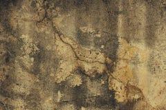 La bella parete sporca dello stucco da qualche parte ha cad da da un pozzo di chipp Immagine Stock