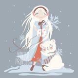 La bella ragazza bionda sotto la neve abbraccia con l'orso polare bianco sveglio del bambino Fotografia Stock Libera da Diritti
