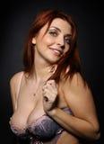 La bella ragazza con il grande seno Immagini Stock
