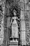 La bella scultura antica sulla pietra a Angkor Wat Fotografie Stock Libere da Diritti