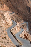 La bella strada in Dades si rimpinza di, montagne di atlante, Marocco Fotografia Stock