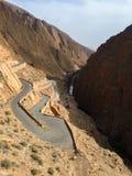 La bella strada in Dades si rimpinza di, montagne di atlante, Marocco Fotografie Stock Libere da Diritti