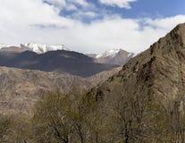 La bella vista aerea di alluna, backgroun himalayano della montagna Immagine Stock