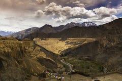 La bella vista aerea di alluna, fondo himalayano della montagna, Ladakh, il Jammu e Kashmir, India Fotografia Stock Libera da Diritti