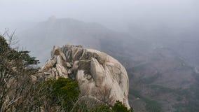 La bella vista dal picco di alte montagne Ulsanbawi Fotografie Stock
