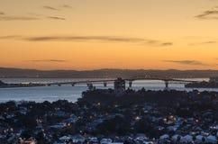La bella vista del ponte del porto di Auckland Immagini Stock