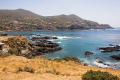 La belle acqua e rocce si avvicinano alla La Bufadora Fotografie Stock