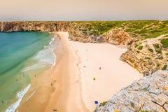 La belle baie et la plage sablonneuse du Praia font Beliche près du sao de Cabo Images libres de droits