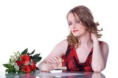 La belle femme écrit la lettre Images libres de droits