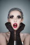 La belle femme de mode avec l'art créatif composent Photos stock