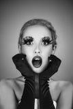 La belle femme de mode avec l'art créatif composent Images stock