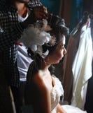 La belle jeune mariée compose Photo stock