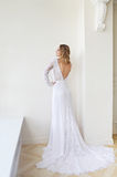 La belle jeune mariée dans un intérieur Photo libre de droits