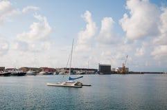 La belle marina de la ville de la marina de vibo en Calabre photo stock