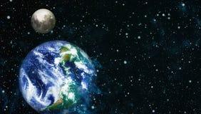 La belle terre et la lune - éléments de cette image meublés par la NASA Image stock