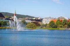 La belle ville de Bergen Photographie stock libre de droits