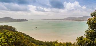La belle vue de Khao-Khad regarde la tour, touristes peut apprécier le Th Photos libres de droits