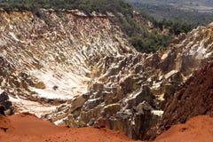 La belle vue de l'érosion de canyon sillonne, dans la réservation Tsingy Ankarana, Madagascar image stock