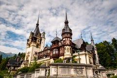 La belleza del castillo de Peles Imagen de archivo libre de regalías