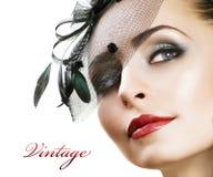 La belleza Portrait.Retro labró maquillaje Imagen de archivo libre de regalías