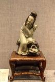 La bellezza blu e bianca ceramica di arte di Qing Dynasty, della glassa del ` ` uno della bellezza di periodo di stati facenti la Fotografia Stock